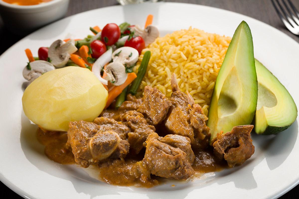 Restaurante la tortilla mes n t pico for Como cocinar carne de chivo